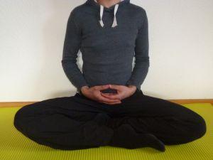 Körperhaltung Meditation - Burmesischer Sitz